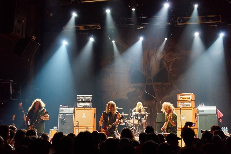 corrosion of conformity (Photo by Tsetsos)