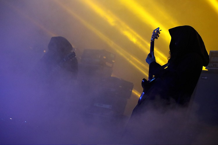 SunnO))) (Photo by JJ Koczan)