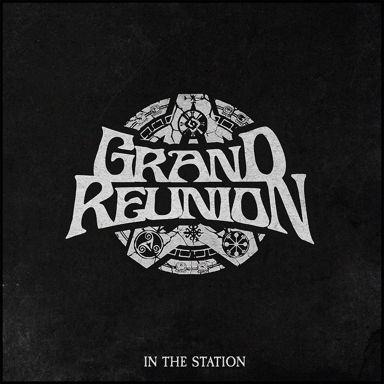 grand reunion in the station