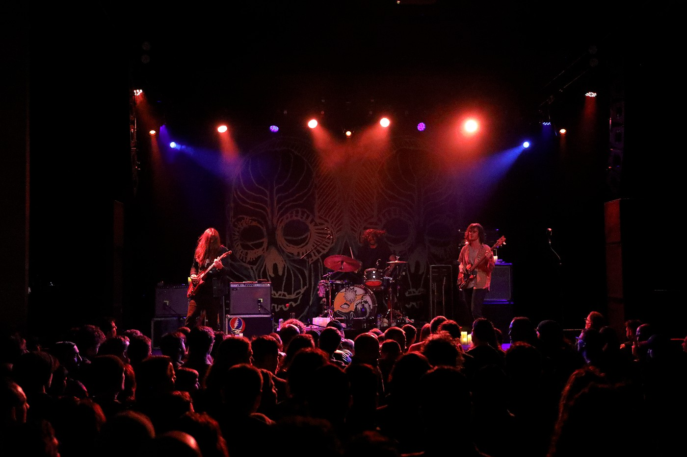 all them witches (photo by JJ Koczan)