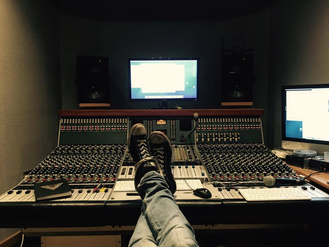 skyhammer studio chris fielding feet