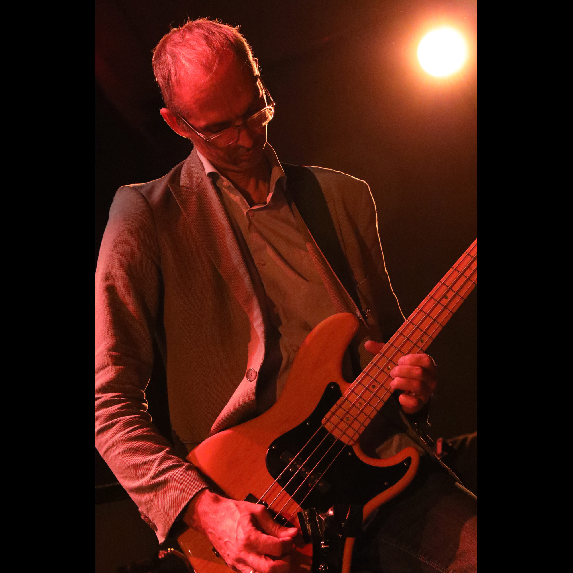 philipp-rasthofer-colour-haze-bass-(Photo-by-JJ-Koczan)